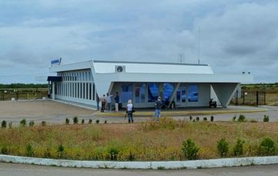 Военные России заблокировали севастопольский аэропорт Бельбек