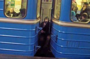 В Киеве из-за нехватки средств меняется режим работы двух станций метро