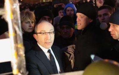 К центральной площади Харькова стягиваются силы правопорядка