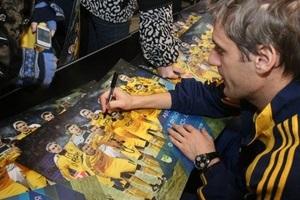 Игроки ФК  Металлист  Харьков встретились со своими болельщиками