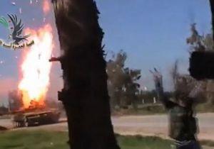 Сирийский повстанец сумел взорвать танк, забросив гранату в дуло