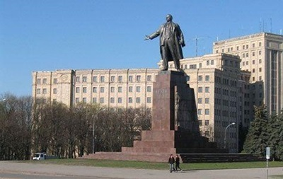 Кернес попросил убрать палаточный городок защитников памятника Ленину в Харькове