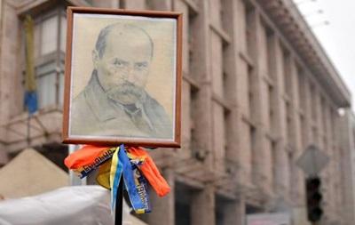 В Одессе на Потемкинской лестнице споют гимн Украины