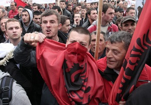 Правозащитники призывают Евросоюз расследовать военные преступления в Косово