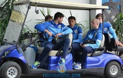 Футболисты Севастополя ночью добирались в Днепропетровск