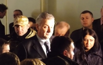 Глава Черновицкой ОГА подал в отставку после ультиматума Правого сектора и Народной Самообороны