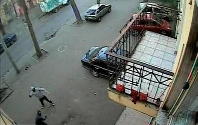 Неизвестные бросили взрывные устройства в одесский офис Свободы
