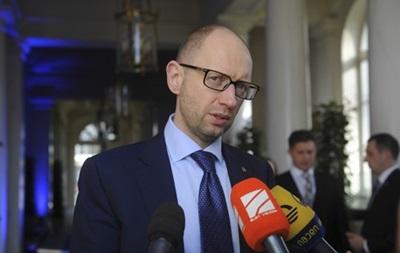 Военный вариант решения конфликта с РФ является неприемлемым – Яценюк