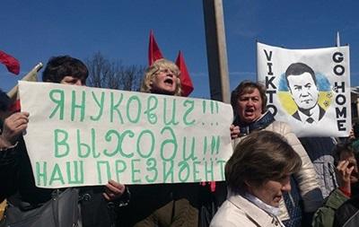Итоги 22 марта: Донецк позвал Януковича обратно, военные РФ захватили новые воинские части и корабли в Крыму