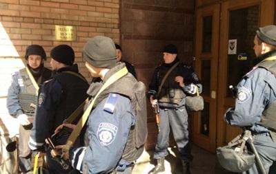Штаб Национальной гвардии обыскивает милиция - СМИ