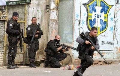 Власти Бразилии введут войска в фавелы перед стартом ЧМ-2014