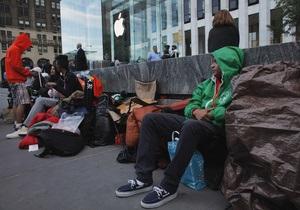 Первый в очереди за iPhone 5 в Нью-Йорке стоит уже более недели