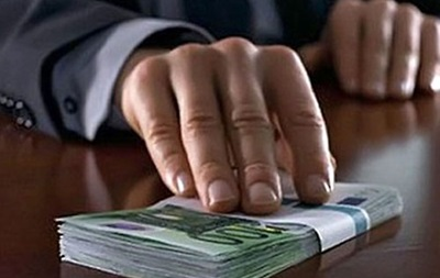 Треть молдавских чиновников признались в коррупции и кумовстве