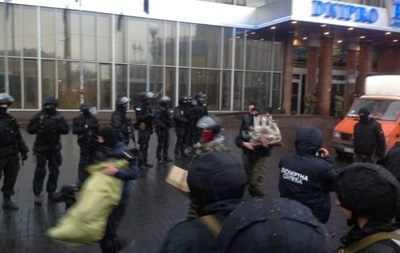 В СБУ говорят, что с Правым сектором в центре Киева справились и без Альфы