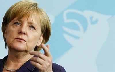 На границе с Украиной по-прежнему слишком много российских солдат - Меркель