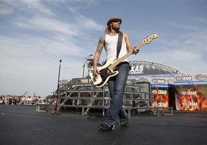 3 Doors Down: Басиста 3 Doors Down обвиняют в убийстве по неосторожности