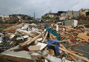 Число жертв штормового циклона в США возросло почти до 300