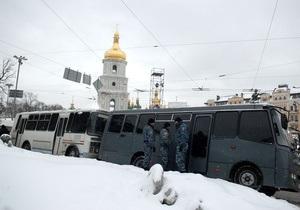 МВД: Около двух тысяч человек прибывают в Киев для участия в акциях