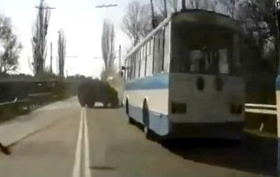 ДТП с участием российского Тигра в Крыму: видео момента аварии