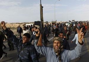 Повстанцы заявили о том, что окружили убежище Каддафи