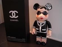 В Киеве на аукцион выставят чебурашку XXI века от Chanel
