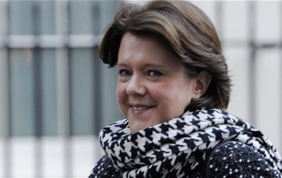 Министр культуры Британии ушла в отставку из-за финансового скандала