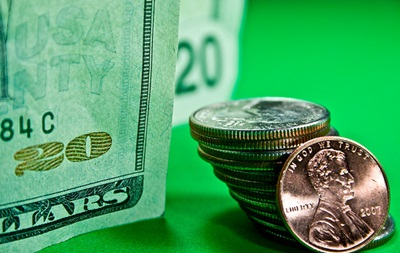 Межбанк открылся долларом по 12,50