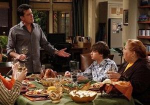 Компания Warner Bros. Television разорвала контракт с Чарли Шином