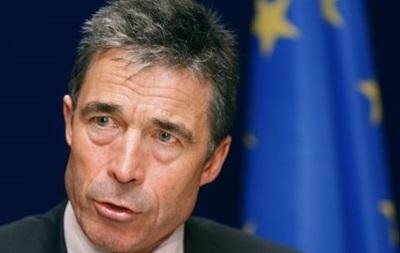Россия должна отвести войска от Украины - генсек НАТО