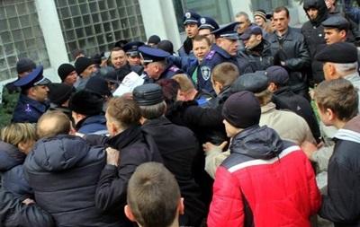 В Павлограде Добкина забросали яйцами