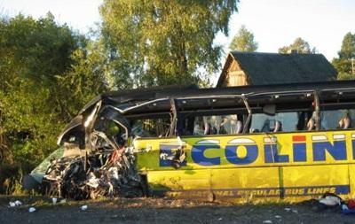 На западе Африки в автокатастрофе с автобусом погибли 47 человек