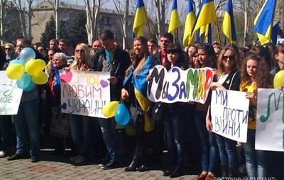 Мы возмущены. В Луганске на проукраинском митинге приняли резолюцию