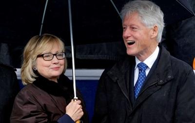 Білл і Хілларі Клінтон стануть дідусем та бабусею