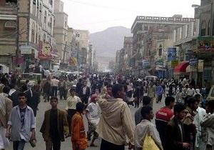 В Йемене в толпе во время демонстрации взорвалась граната, 22 человека ранены