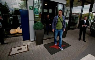 Владимир Кличко прибыл в Германию на встречу с Леапаи