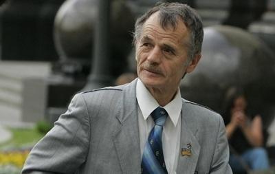 Лидеру крымских татар запретили въезд на полуостров