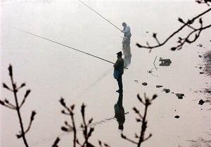 Киевводоканал допускает ограничение водозабора из Днепра из-за гибели рыбы