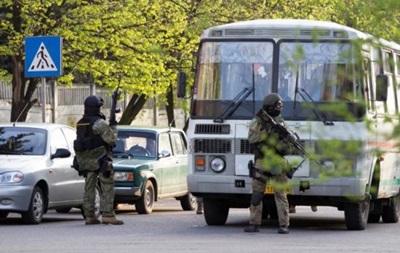 Нападающие на воинскую часть в Артемовске забросали солдат гранатами и стреляли из автоматов - Минобороны