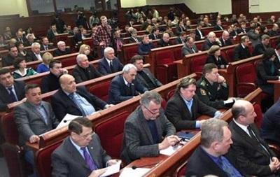 Донецкий облсовет потребовал вывести военных из региона