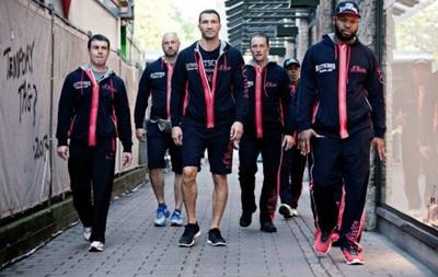 Владимир Кличко перед битвой с Леапаи пошел релаксировать в парк