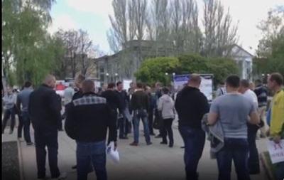 В Красноармейске проходит митинг сторонников федерализации