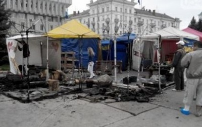 В Сумах сожгли палаточный городок Евромайдана
