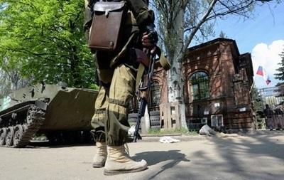 В Донецкой области протестующие захватили оружие патруля ГАИ - CМИ