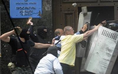 Во время штурма Донецкой прокуратуры пострадали 26 человек - ОГА