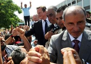 Франция и Британия согласились продолжить операцию в Ливии по просьбе повстанцев