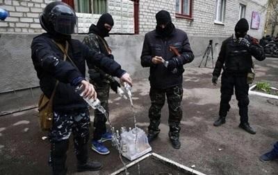 В Крыму лидер банды  Башмаки  вербует людей для провокаций на Юго-Востоке - МВД