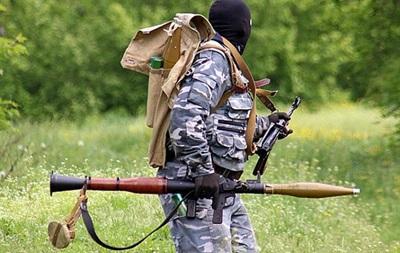 Против украинских силовиков в Славянске применяют тяжелое вооружение - Минобороны