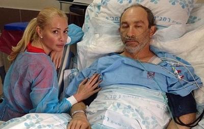 Жена Кернеса опубликовала фото с раненым мужем