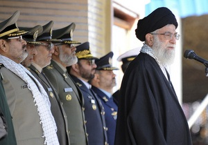 Командиров Стражей исламской революции подозревают в покушении на духовного лидера Ирана