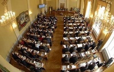 Львовские власти готовят иск о запрете массовых акций 9 мая